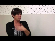 Embedded thumbnail for Cancer - Sylvie témoigne de l'importance du sport dans son combat